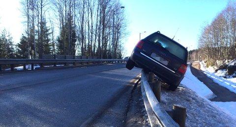 Slik endte morgenturen på fylkesvei 32 i Siljan. Foto: Erik Edvardsen, TA