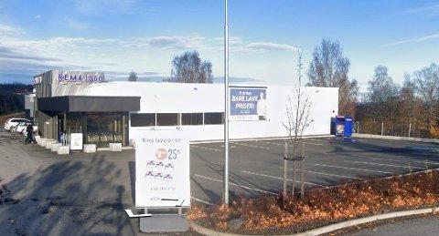 SELGES: Rema-bygget på Skreia ligger fortsatt ute for salg.