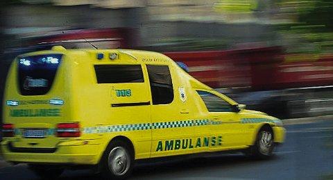 Trygg: Når man først trenger en ambulanse, er det ofte akutt. Da kan det være en ulempe å bo langt unna nærmeste stasjon, men ambulansetjenesten mener vi ikke trenger å bekymre oss.