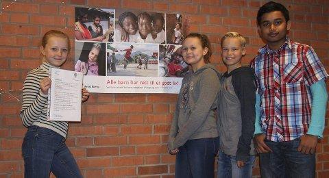 Samler inn penger: Fra venstre Hedda Rasmussen, Mia Falkendahl, Kristoffer Johnsrud og Farhan Amin.Begge foto: Ole Jonny Johansen