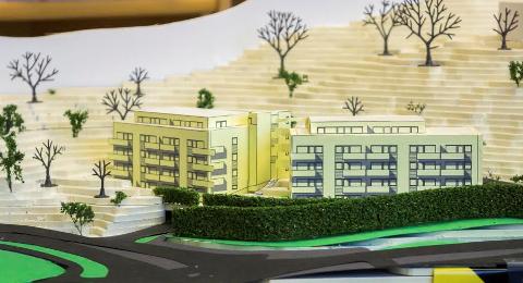 PLANEN: Slik tenker utbyggeren seg det nye boligkomplekset langs avkjøringen til Skorkeberg i Drøbak. MODEL: Sindre Hakstad