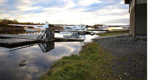 FORTSETTER: Luftfartstilsynet har bestemt at sjøflyene forblir på Lilleøya på Fornebu.