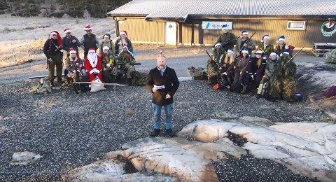 Per Tellefsdal Sunde skal være programleder i realityprogrammet Kamp Gjerstadrevyen som skal underholde befolkningen hele desember.