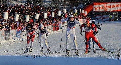 VERDENSCUP 2011: Sist gang det virkelig var skifest med mye publikum på Konnerud - verdenscuprennene i 2011. Her fra sprintfinalen, fra v.: Alex Harvey, Marcus Hellner, Emil Jönsson, Petter Northug og Martti Jylhäe.