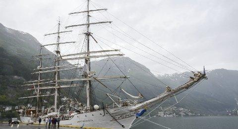 Christian Radich: Den ærverdige seglskuta la 24. juni til kai i Odda.Foto: Ernst Olsen