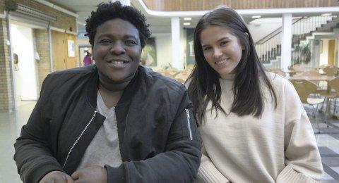 SOSIALE MEDIER: Bienfait Nimubona og Hanna Visnes er veldig aktiv på sosiale medier. Likes synes de er en kjekk funksjon.