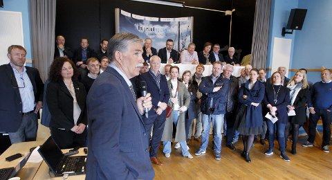 MØTE 3. mai: – Når samferdselsministeren inviterer til møte med oss og Avinor til møte onsdag, mener han alvor. Ellers blir fallet for stort, sier Martin Laurhammer, daglig leder i Lufthavnutbygging AS.