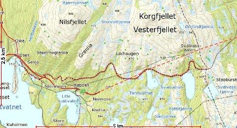 OMRÅDE: Viggo Hoff vil flytte et bygg ved Ustikten fjellstue. Det vil ikke rådmannen i  Vefsn kommuna at han får lov til. Det aktuelle området ligger nær Svalvatnet, t.h. i kartet.