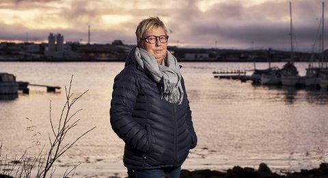 IKKE IMPONERT: Ap-veteranen Wenche Pedersen fra Vadsø følger forhandlingene i Tromsø, og er ikke imponert.