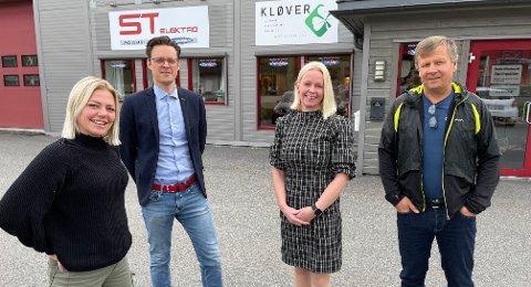 I NYE LOKALER: Aina Bolkesjø (t.v.), Johan Tørnby, Jane Brit Løland og Roy Veiby i Kløver rådgiving har flyttet inn i nye lokaler i Bjørkelangen næringspark.