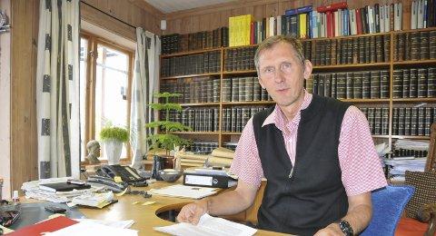 Forsvarer: Advokat Jens S. Røegh forsvarer den tiltalte kvinnen.