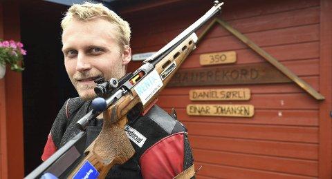 348 POENG: Kim-André Aannestad Lund skjøt 348 poeng på Dusterudbanen i Veggli tirsdag.FOTO: OLE JOHN HOSTVEDT