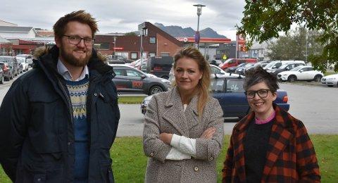 KARANTENE: Overlegeteamet Øystein Tollåli (34), Eva Nordberg (38) og Øydis Hana (38) i Vestvågøy fikk kommunestyrte med på å forlenge strenge karanteneregler. Foto: Runar Henningsen