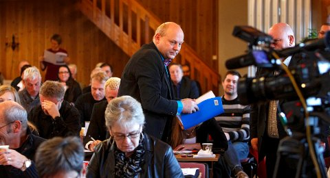 LEDER: Roger Madsen (Frp) trer inn som leder i Moss Frp etter at Ulf Leirstein har innrømmet å ha gått over streken når det kommer til å sende pronografisk innhold til unge partifeller i Østfold.