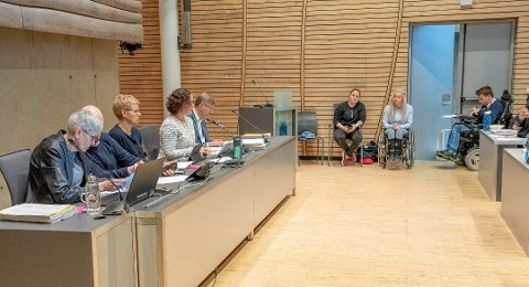 KUTT: Trang økonomi har resultert i kutt i blant annet helsesektoren i Tromsø. Her fra da saken var et tema på kommunestyremøtet i slutten av mai.