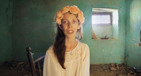 PRISVINNER: Dokumentarfilmen Selvportrett handler om Lena Marie Fossen fra Kolbu. Nå høster filmen en rekke priser på filmfestivaler rundt i Europa.