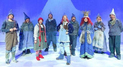 """AVSLUTTER: """"Jul i Blåfjell"""" hadde premiere i Kolben og avslutter i Rådhusteatret til helgen."""