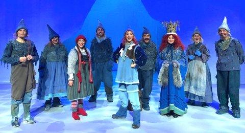 Jul i blåfjell er skrevet av forfatter Gudny Ingebjørg Hagen. Først vist som TV i NRKs julekalender mellom 1999 og 2011. og etter mange år på teater i Oslo, reiser forestillingen nå på turné.