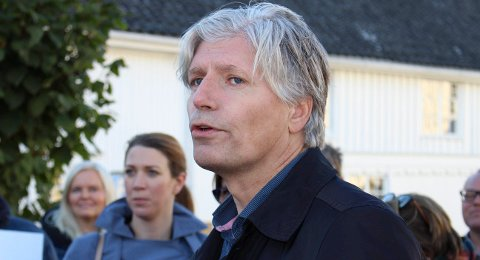 Klima- og miljøminister Ola Elvestuen har ikke tatt noen deponi-beslutning.