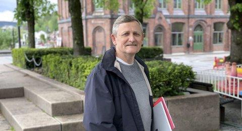 STÅR PÅ PENGER: Eiendomssjef Ole Henrik Lia sier at kommunen er positive til tur- og sykkelveien, men at det står på finansieringen.