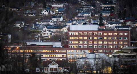 TO SYKEHUS:Helgelandssykehuset avdeling Rana sykehus, er en av tre sykehus på Helgeland i dag. Nå kan det gå mot en to-sykehusstruktur på Helgeland.