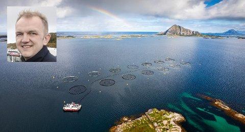 Salgssjef Bjørn Olvik (innfelt) i Nova Sea er glad for at de nå kan ta i bruk ny teknologi for å spore laksen fra rogn til tallerken.