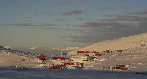 Norsk aktivitet i Antarktis: Norges forskningsstasjon Troll har vært i drift i Dronning Maud Land i ti år.Foto: Stein Tronstad/Norsk Polarinstitutt