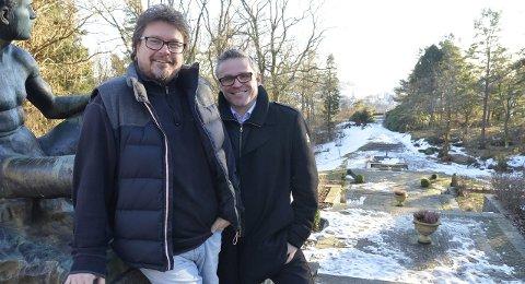 Alle gode ting er tre: Lars Petter Kristiansen (t.v.) og Erik Rastad fra Konsertkameratene og aksjeselskapet Cemollni er med på å arrangere GitKamFest, Gitarkameratenes Visefestival, for tredje gang. – Vi holder på fordi vi synes det er gøy, sier Rastad.