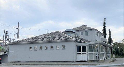 Skeiane stasjon vil forvandles, men starten på prosjektet er utsatt noe.