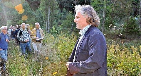 Etter 12 års arbeid fikk Leif Kahrs Jæger i Antikvarisk Eiendom i 2013 godkjent planene for flere boliger, galleri og scene på Østerå. I morgen kveld kan vedtaket bli erklært ugyldig av kommunestyret. Hvis det skjer vurderer Jæger søksmål. Arkivfoto