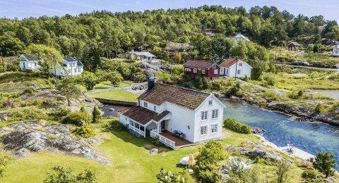 Utgårdstrand: Det er mye historie i veggene i Borøy-eiendommen som Leif kahrs Jæger kjøpte i fjor. Han ønsker å bruke stedet til fritidsformål, men det har han fått avslag på. Nå får de folkevalgte saken på bordet nok en gang.