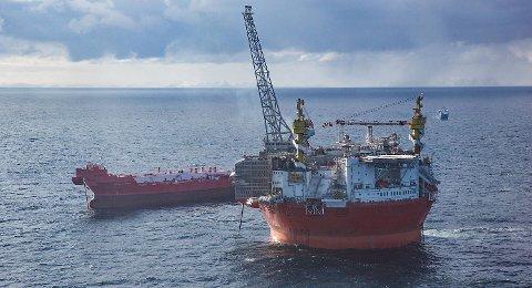 Goliat-plattformen i Barentshavet prosesserer og lagrer oljen som blir sendt til Europa med tankere. Goliat-feltet er det første oljefeltet norsk del av Barentshavet som blir satt i produksjon. FOTO: JAN-MORTEN BJØRNBAKK, NTB SCANPIX
