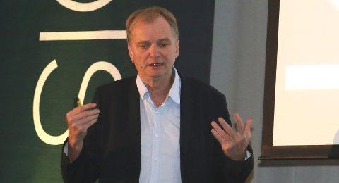 HENGER ETTER: – Helsevesenet sender fortsatt post. Pasientopplysninger kan ikke sendes digitalt, fortalte Erik Fosse på Quo Vadis-konferansen.
