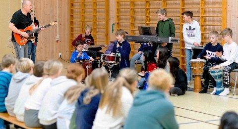 Inspirerte elever på Sjøskogen skole.
