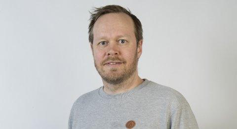Christoffer Schjelderup er komiker og spaltist i BA.