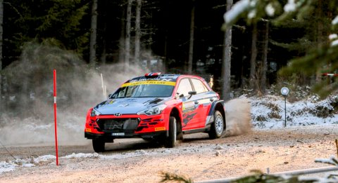 NORSK DUELL: I WRC2-klassen ser det ut til at Ole Christian Veiby må kjempe en intens kamp mot landsmannen Mads Østberg om sammenlagtseieren. FOTO: SIMEN NÆSS HAGEN
