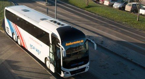 15. JUNI: Både Konkurrenten og Lavprisekspressen vil være å se på bussterminalen på Rom i Lyngdal igjen fra 15. juni.