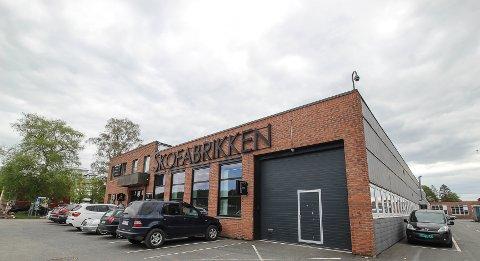 SOLGT: Kontorbygget Skofabrikken er på  2200 kvadratmeter og er fullt utleid noe som gir leieinntekter på 2,5 millioner kroner.