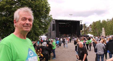FESTIVALSJEF: Ove Bevolden inviterer tradisjonen tro til Vær stolt-festivalen på Holmlia. Arkivfoto: Janina Lauritsen