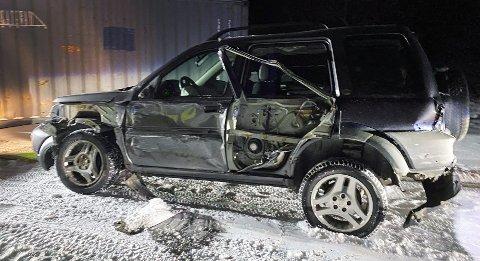 Hele siden av bilen er skrellet vekk. Foto: Eskil Mehren