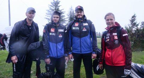 PASSE FORNØYD: Laget til Maren Lundby hadde gått en runde i regnværet på Sillongen - men det de ikke visste var at de skulle gå enda ni hull. Her er Maren sammen med (fra venstre) Henning Stensrud, Marius Lindvik Adrian Livelten.