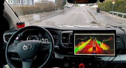 AUTO: Her kjører en av Ruters to selvkjørende biler rundt på Hebekk.