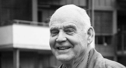 Reagerer: Olav Bergene Holm, tidligere ordfører i gamle Hedrum kommune.