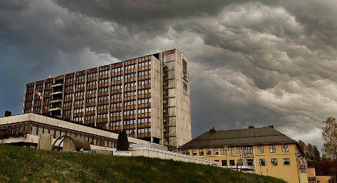 INNLEGGELSER: Hvert år blir små barn fraktet med ambulanse til Lillehammer sykehus etter å ha blitt alvorlig syke med RS-virus.