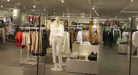 REDUSERT: H&M Brotorvet har redusert åpningstidene.