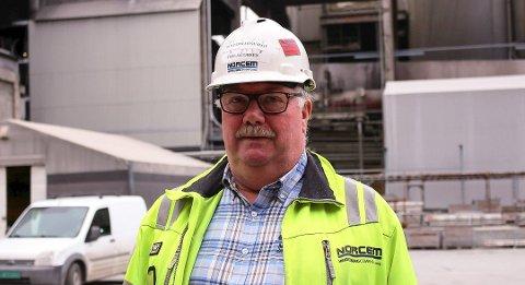 – Karbonfangstprosjektet ved vil bety at arbeidsplassene våre er sikrere enn noen gang. Norcem Brevik vil komme til å få den grønneste sementen i verden. Det er viktig for kundene våre, sier hovedtillitsvalgt Tom Jacobsen ved Norcem Brevik.