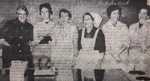 NOEN AV DELTAKERNE: Fra venstre Marie Bamle, Marit Tinderholt, Gerda Ravnan, Laurentse Flaatten, Dordy Dørdal og Karin Esse.