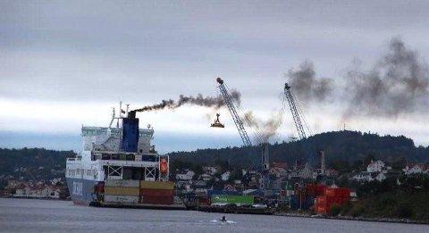 – Vi får ødelagt nattesøvnen på grunn av støy ved lasting og lossing med skip ved Breviksterminalen, melder styreleder Stig Pettersen i Heistadtangen til Grenland Havn.