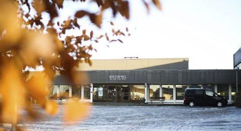 KULTURMEKKA I SENTRUM: I disse dager utredes muligheten for å gjøre Rakkestad kulturhus til base for kulturskolens elever med nytt øvingsrom og konsertsal.