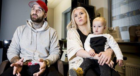 Krister Scott Johansen har satt seg selv, samboer Lisa Lotte Nilsen og sønnen Matheo på drøyt ett år i en vanskelig situasjon. Foto: Tom Gustavsen